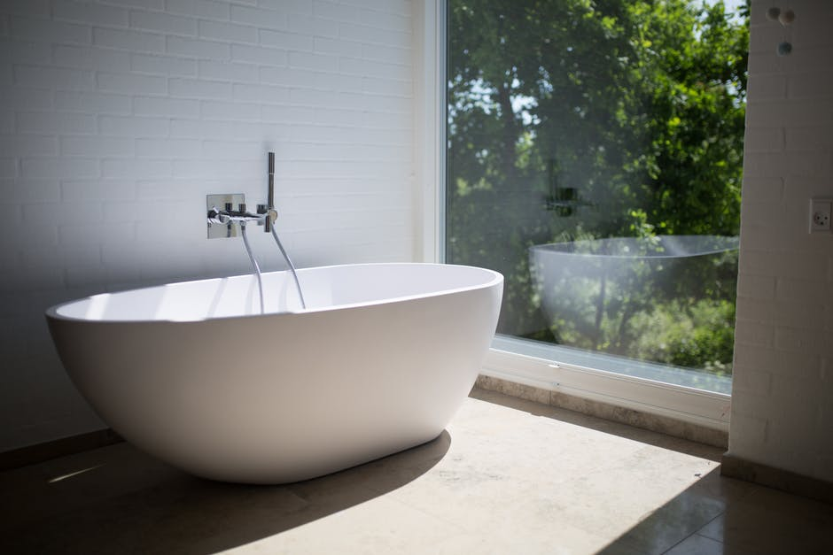 How to Deep Clean Your Bathroom like a Pro