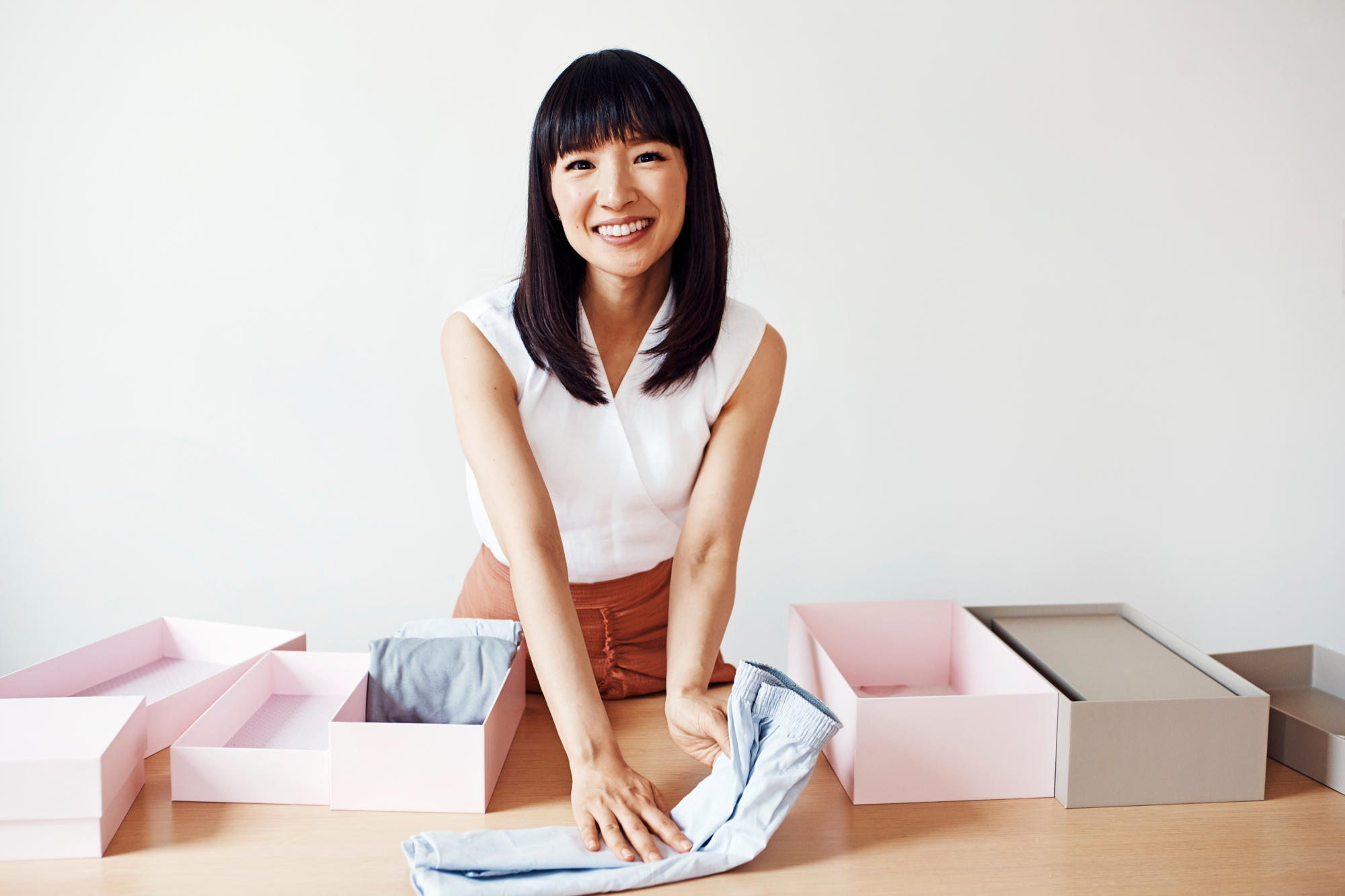 What is the KonMari Method of Cleaning & Decluttering?
