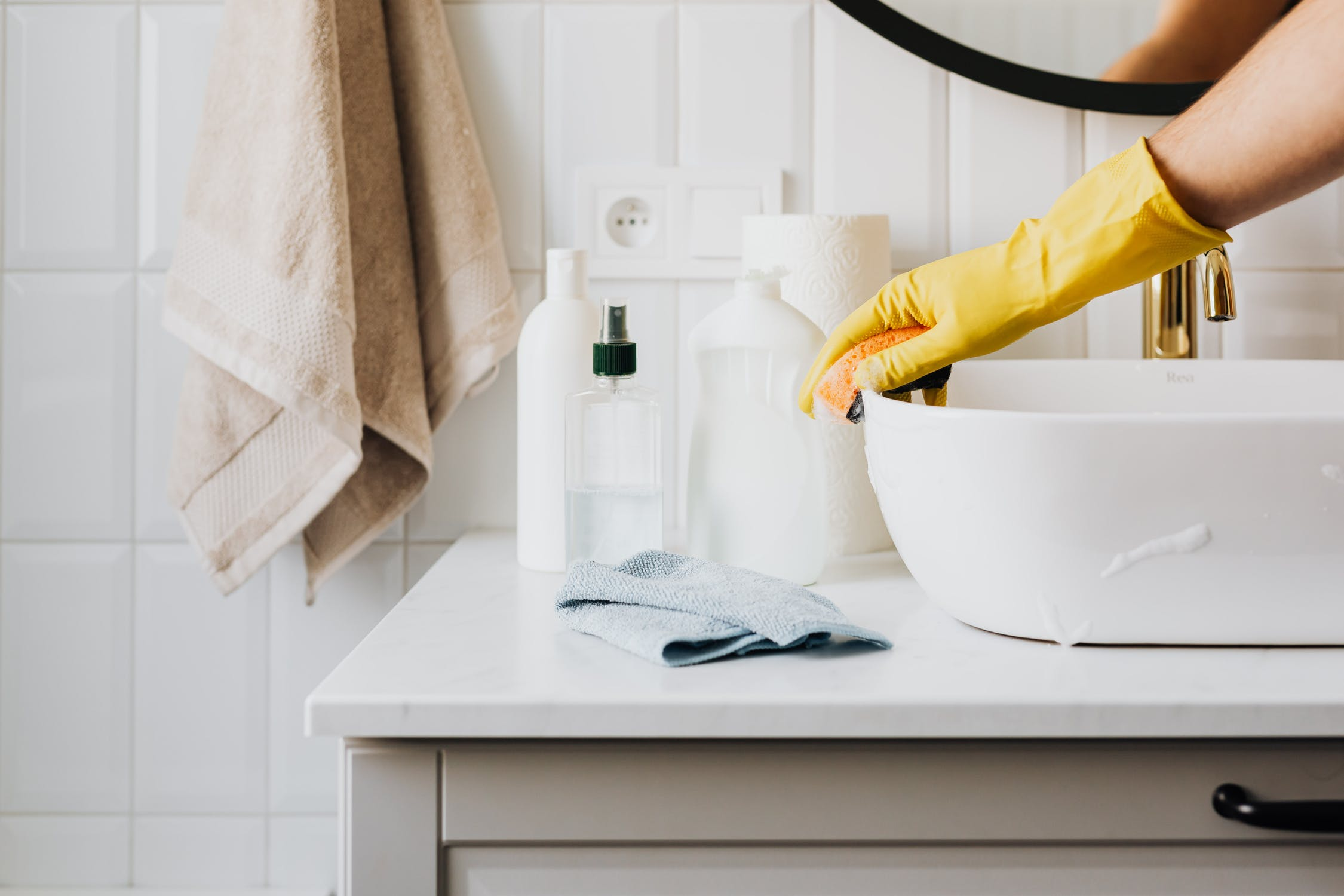 Top 10 Easy Cleaning Hacks by Cleanhome Sussex